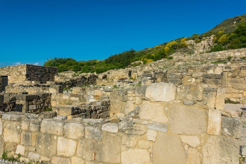 Ru?nes van de oude Akropolis van Kamiros op Rhodos stock foto's