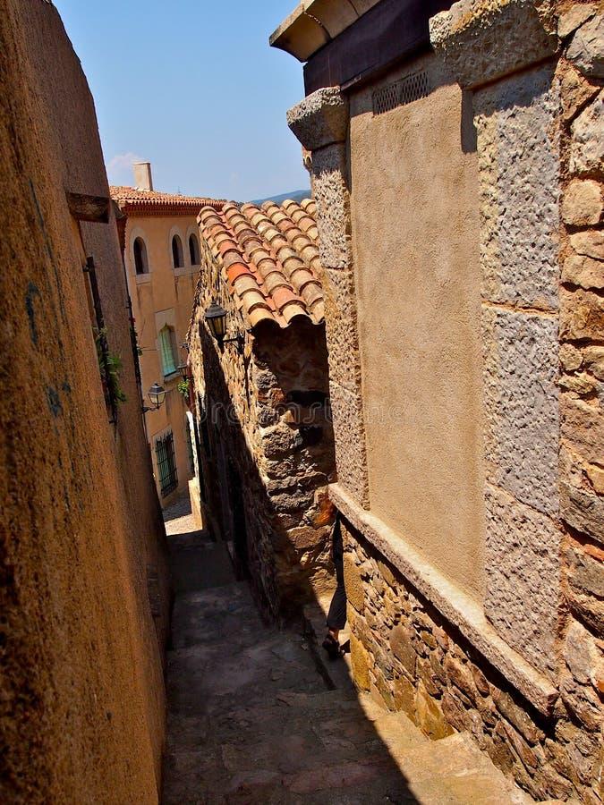 Rua antiga em Tosca del Mare foto de stock