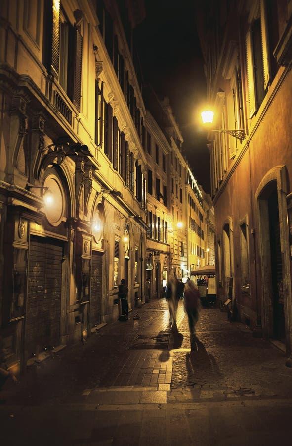 Rua antiga na cidade velha européia imagens de stock