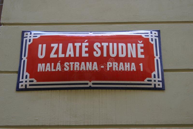 A Rua Assina Dentro Praga Imagem de Stock