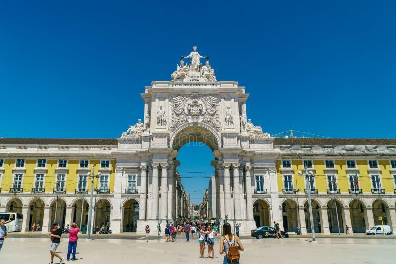 Rua Augusta Arch i Lissabon arkivfoton