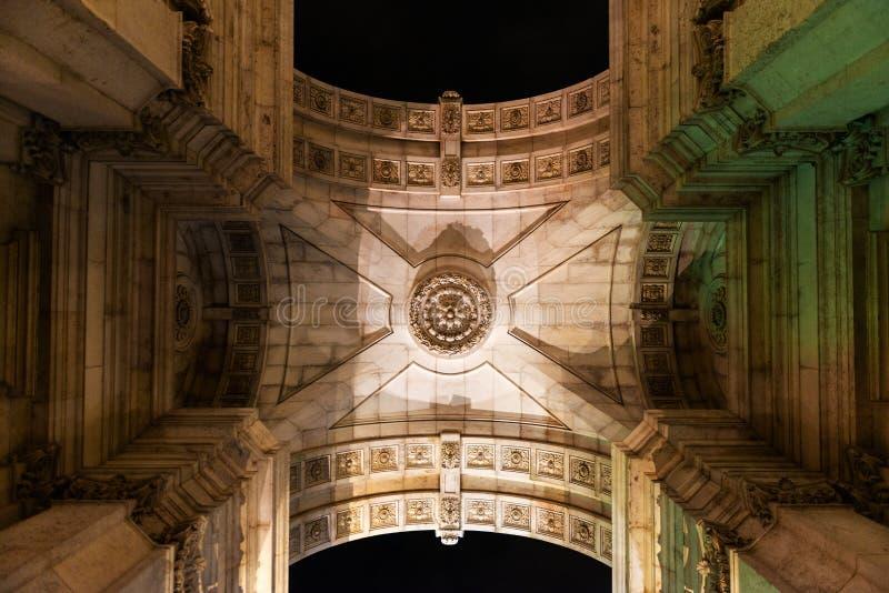 Rua Augusta Triumfalny łuk w Lisbon zdjęcia royalty free