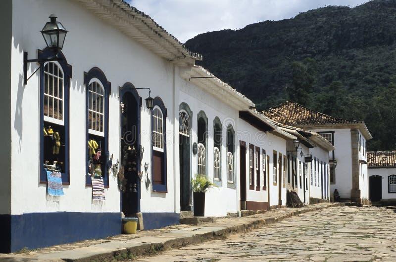 Rua colonial em Tiradentes, Minas Gerais, Brasil fotografia de stock royalty free