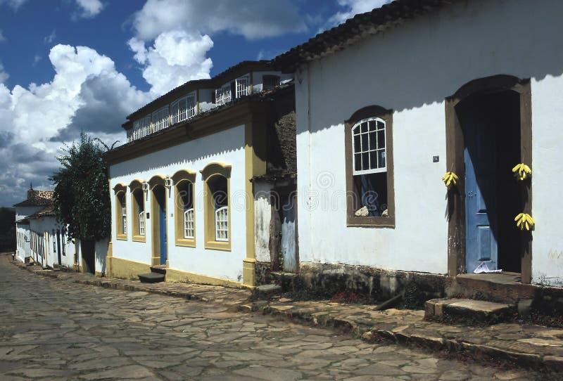 Rua colonial em Tiradentes, Minas Gerais, Brasil imagens de stock royalty free