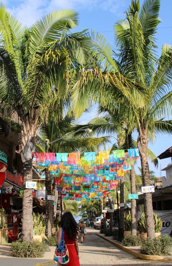 Rua colorida em Sayulita Nayarit imagem de stock royalty free
