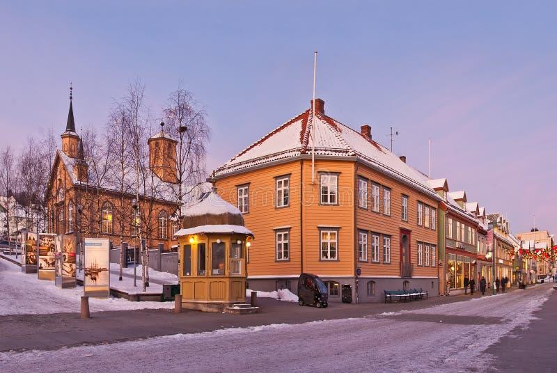 Rua da cidade de Tromso fotos de stock