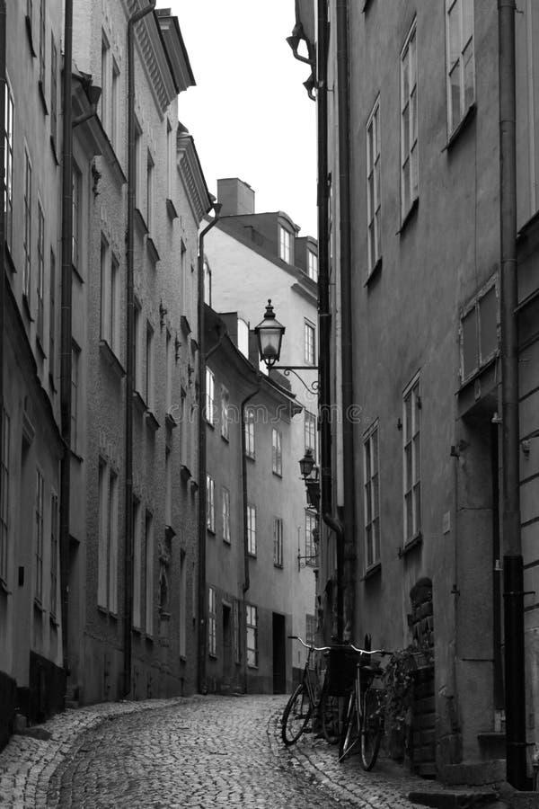 Rua da cidade velha de Éstocolmo fotos de stock royalty free