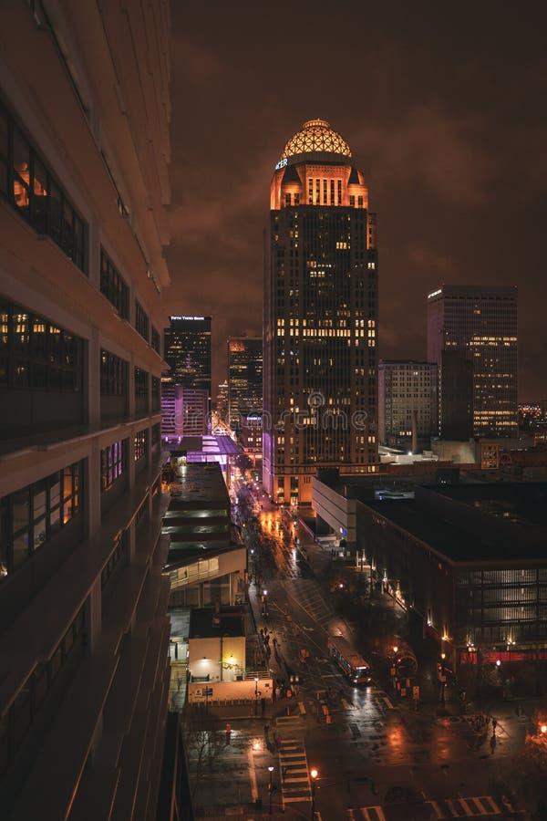 Rua da noite da cidade foto de stock royalty free