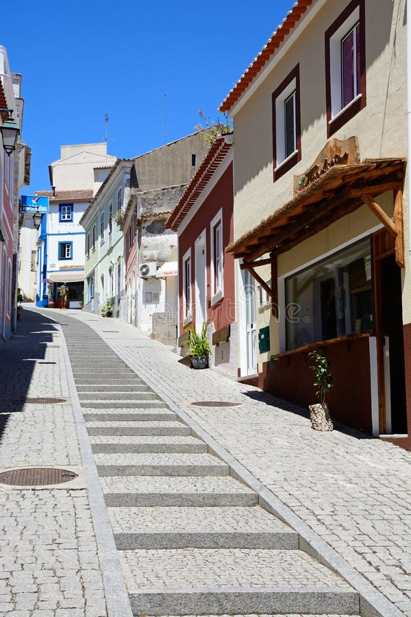 Rua da vila de Monchique, Portugal imagem de stock
