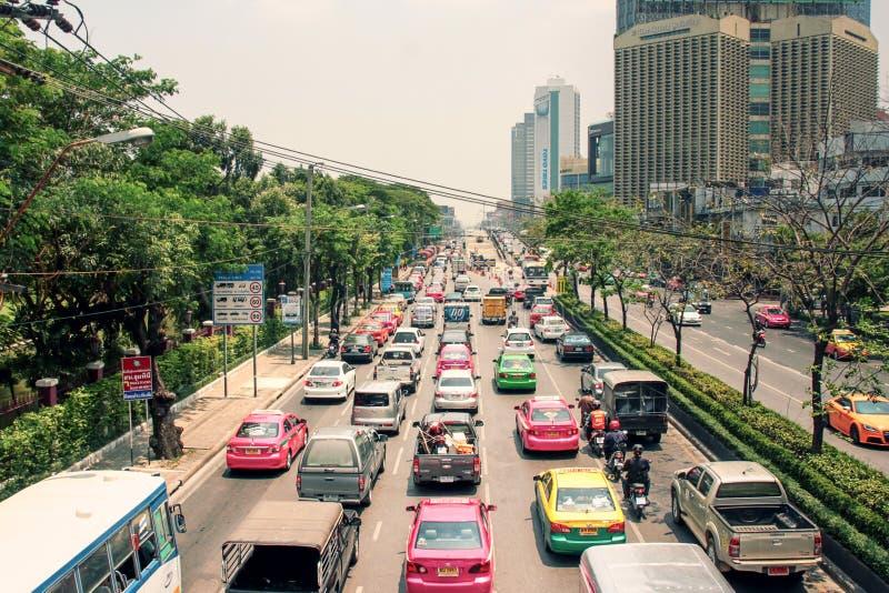 Rua de Banguecoque, Tailândia Diário das horas de ponta fotografia de stock royalty free