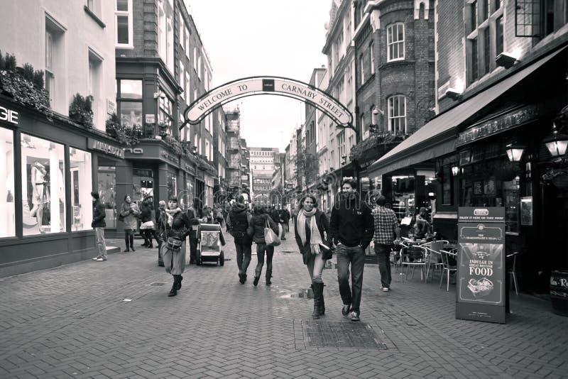 Rua de Carnaby, Londres. Retrato do Sepia imagem de stock royalty free