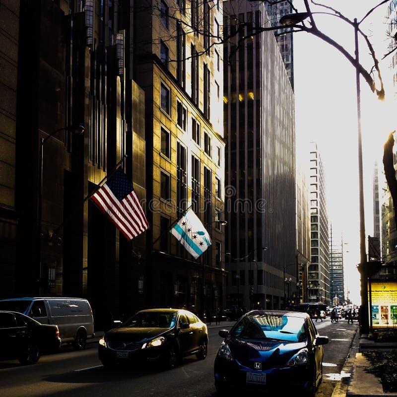 Rua de Chicago no por do sol fotos de stock