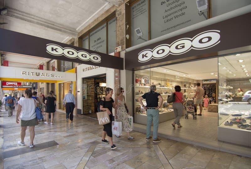 Rua de compra Jaime III Kogo Camper Rituals imagens de stock royalty free