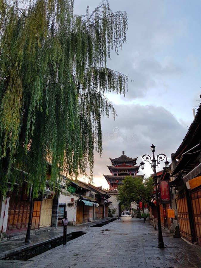 Rua de Dali Old Town fotografia de stock