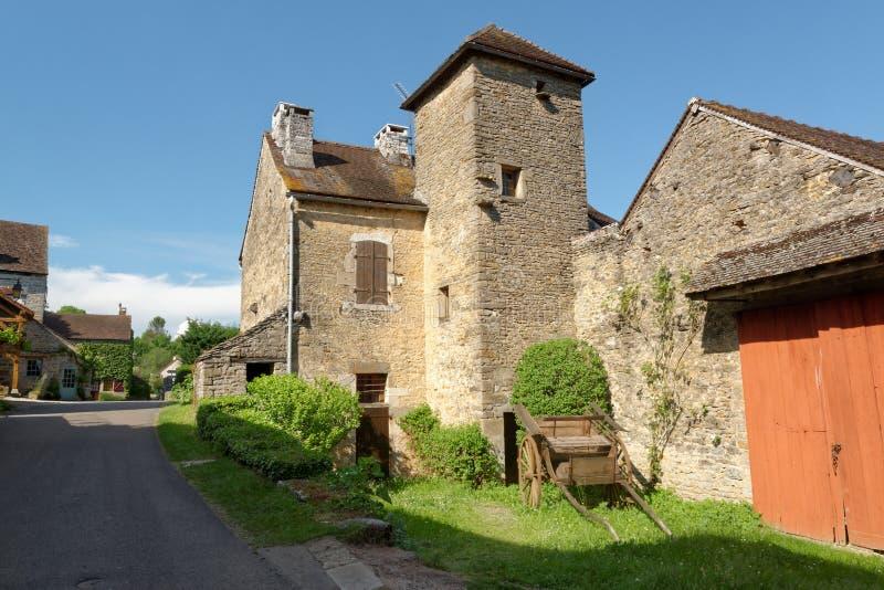 Rua de en Auxois de Châteauneuf fotos de stock