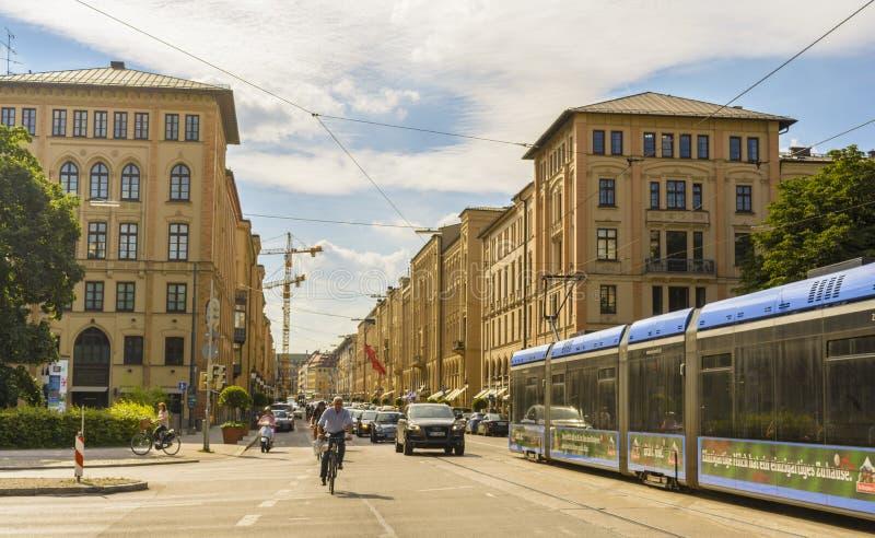 Rua de Maximilian em Munich, Alemanha foto de stock