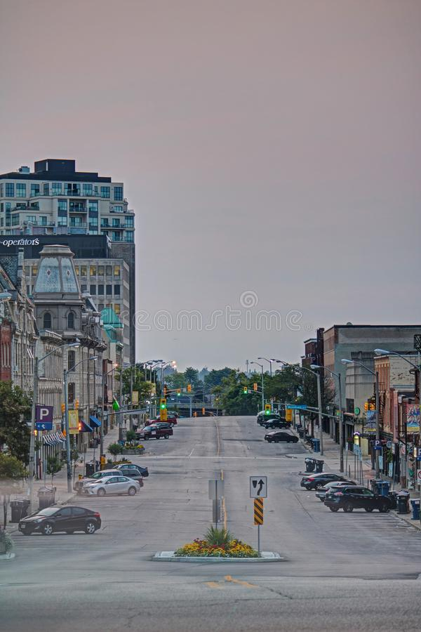Rua de McDonnell em Guelph do centro, Ontário, Canadá imagens de stock royalty free