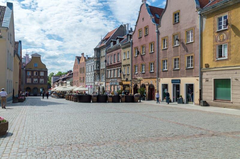 Rua de Miasto do olhar fixo na cidade velha de Olsztyn imagem de stock