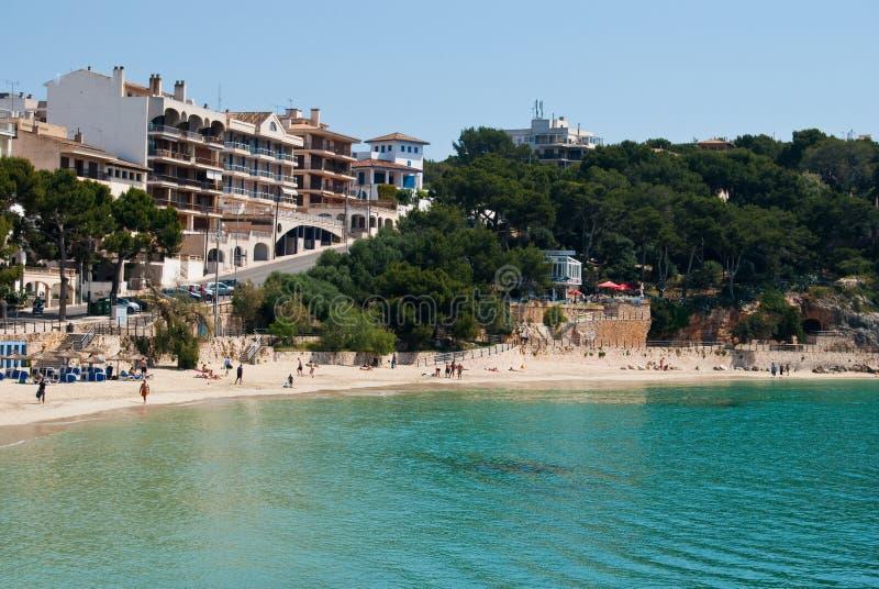 Rua de Porto Cristo e a praia, Majorca, Spain fotografia de stock