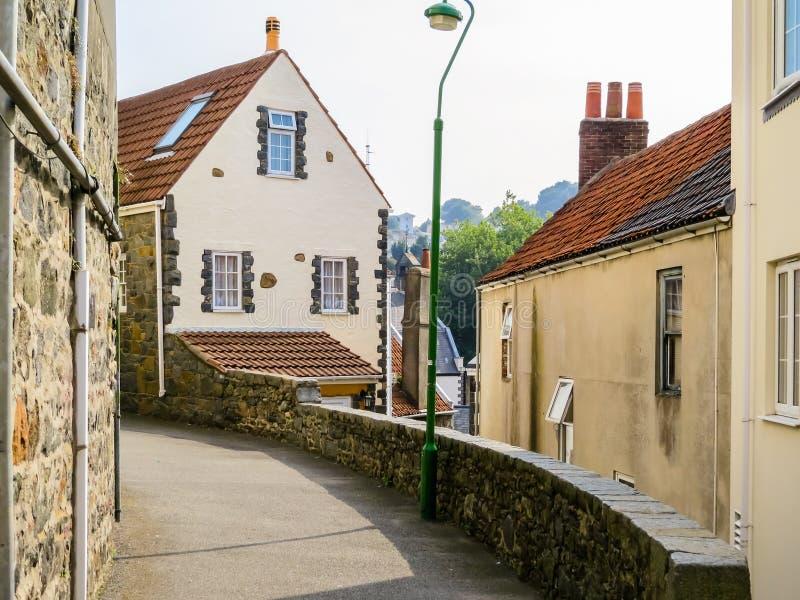 Rua de Saint Peter Port, Bailiwick de Guernsey fotografia de stock royalty free
