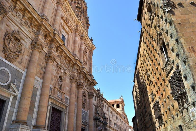Download Rua de Salamanca foto de stock. Imagem de céu, facade - 26503940