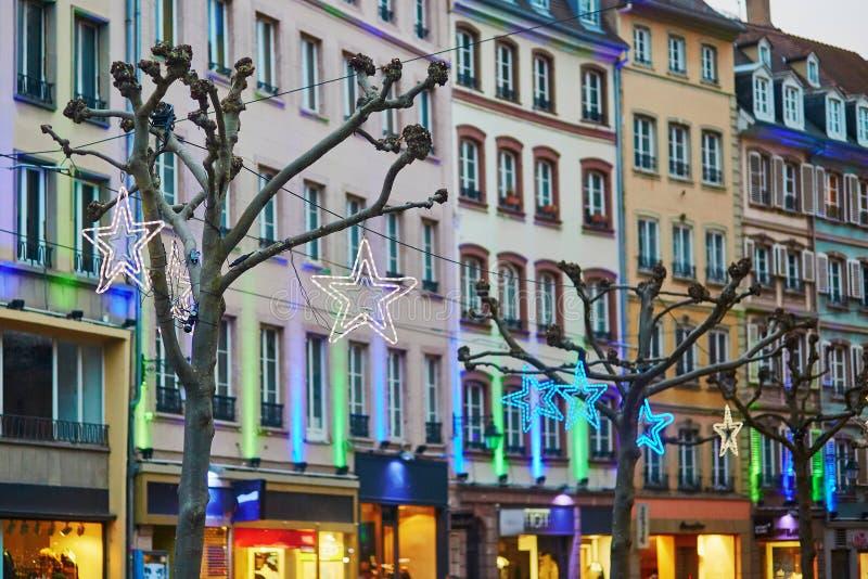 Rua de Strasbourg decorada belamente para o Natal foto de stock royalty free