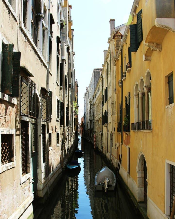 Rua de Veneza imagem de stock royalty free