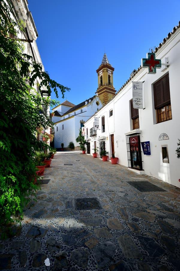 Rua decorativa em Estepona imagem de stock royalty free