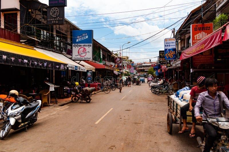 Rua do bar em Siem Reap, Camboja, Indochina durante o dia imagem de stock royalty free