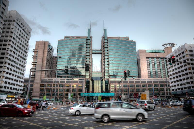 Rua do centro em Abu Dhabi imagem de stock