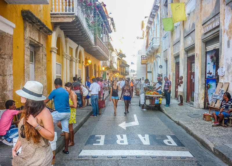 Rua do centro histórico de Cartagena fotos de stock