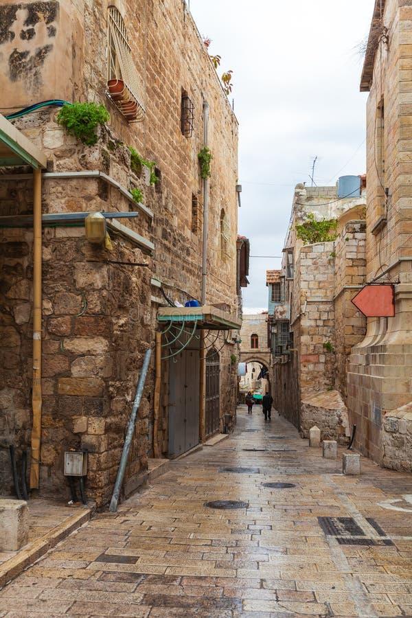 Rua do quarto muçulmano perto da porta do ` s de Herod, Jerusalém fotos de stock royalty free