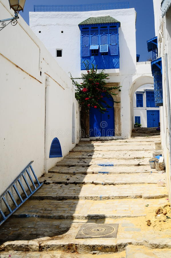 A rua do tunisian pequeno imagens de stock
