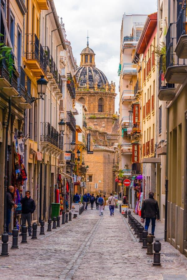 Rua e igreja de Granada fotos de stock