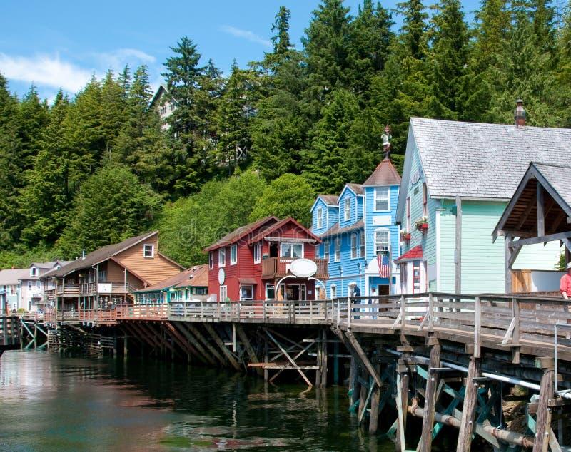 Rua em Ketchikan, Alaska da angra fotos de stock