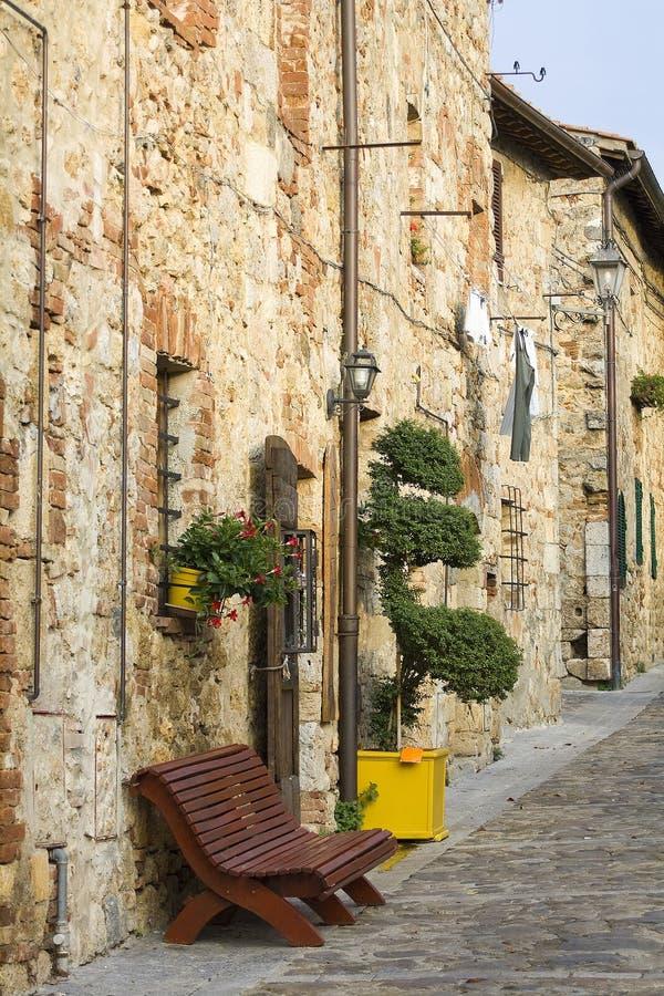 Rua encantadora de tuscan fotos de stock