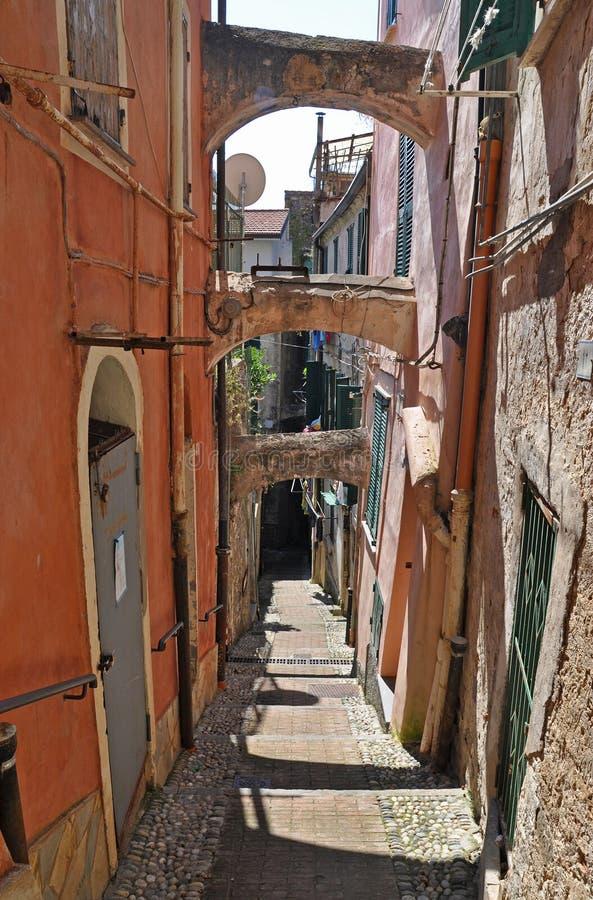 Rua-escadas velhas em San Remo, Itália imagem de stock royalty free