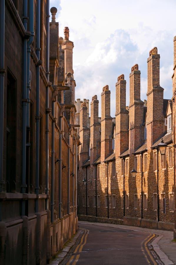 Rua estreita de Cambridge fotografia de stock