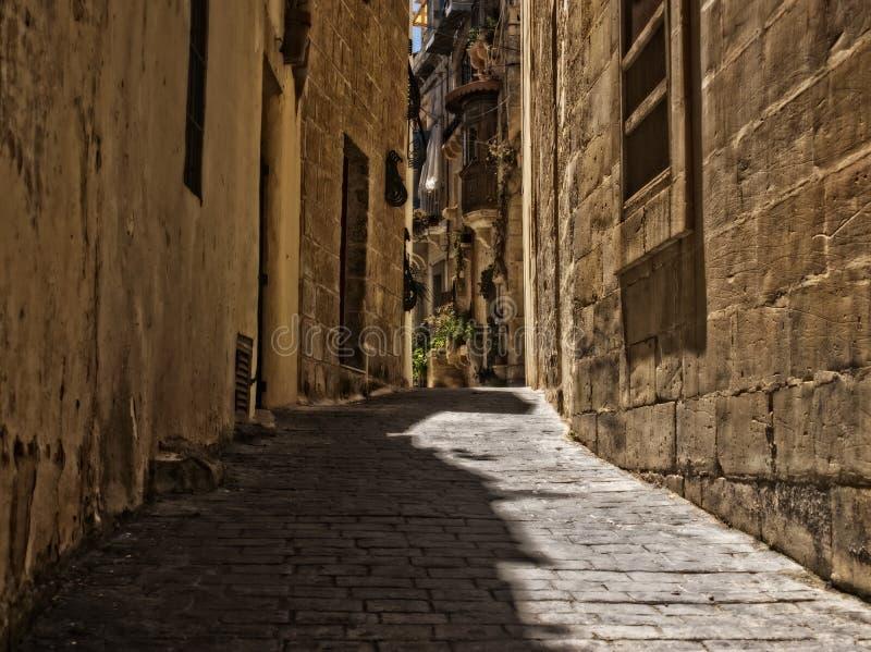 Rua estreita em Rabat, Malta imagem de stock royalty free