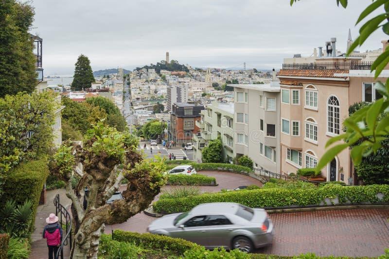 A rua famosa do Lombard de San Francisco imagens de stock