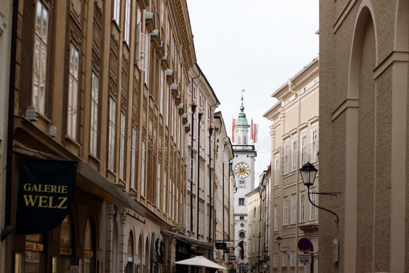 rua histórica em Salzburg, cidade velha fotografia de stock royalty free