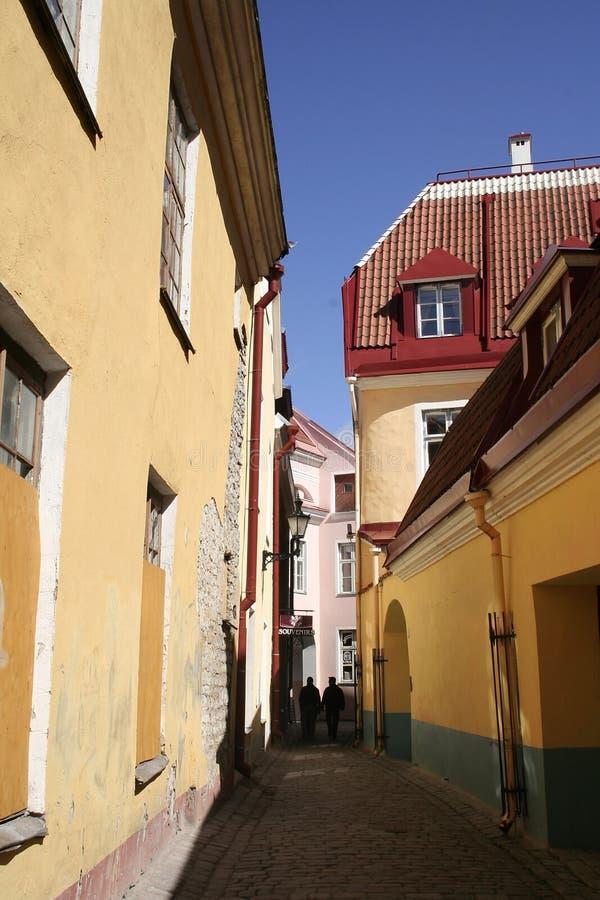 A rua a menor de Tallinn imagens de stock royalty free