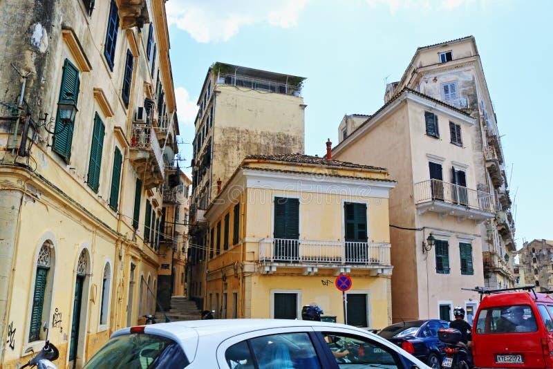 Rua movimentada velha Grécia da cidade de Corfu imagem de stock