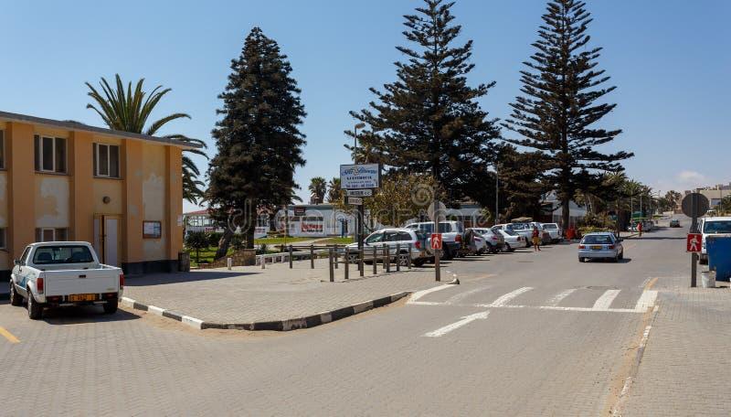 Rua na cidade de Swakopmund, Namíbia foto de stock