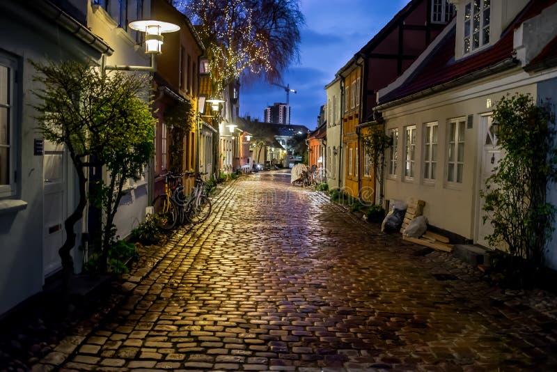 Rua na noite fotografia de stock