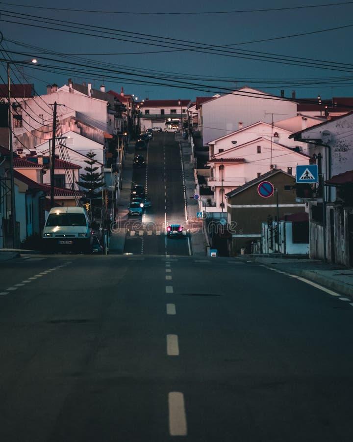 Rua na noite fotos de stock