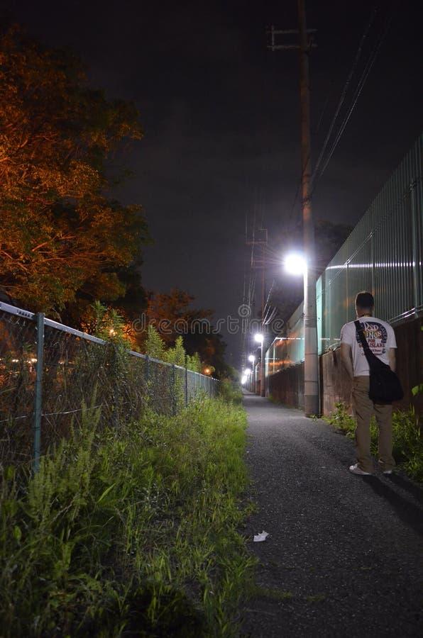 Rua na noite em Osaka imagens de stock