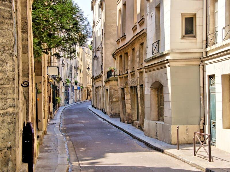 Rua no quarto latino de Paris, França foto de stock royalty free
