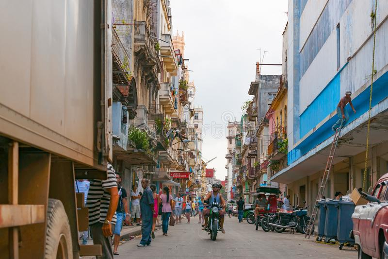 Rua ocupada da cidade do terceiro mundo fotografia de stock royalty free
