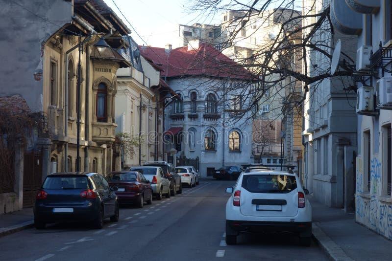 Rua pequena em Bucareste foto de stock royalty free